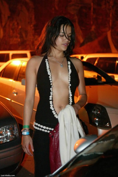 michelle-rodriguez-bar-none-04
