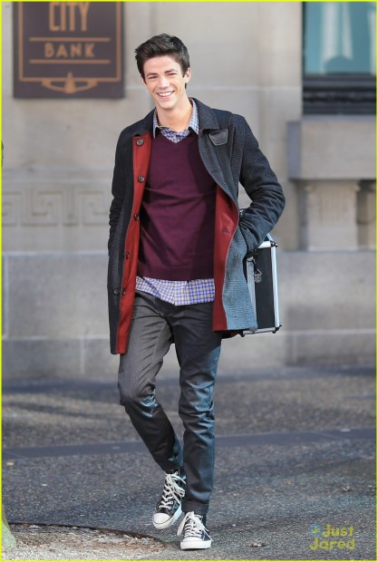 Grant Gustin Films 'The Flash' In Vancouver